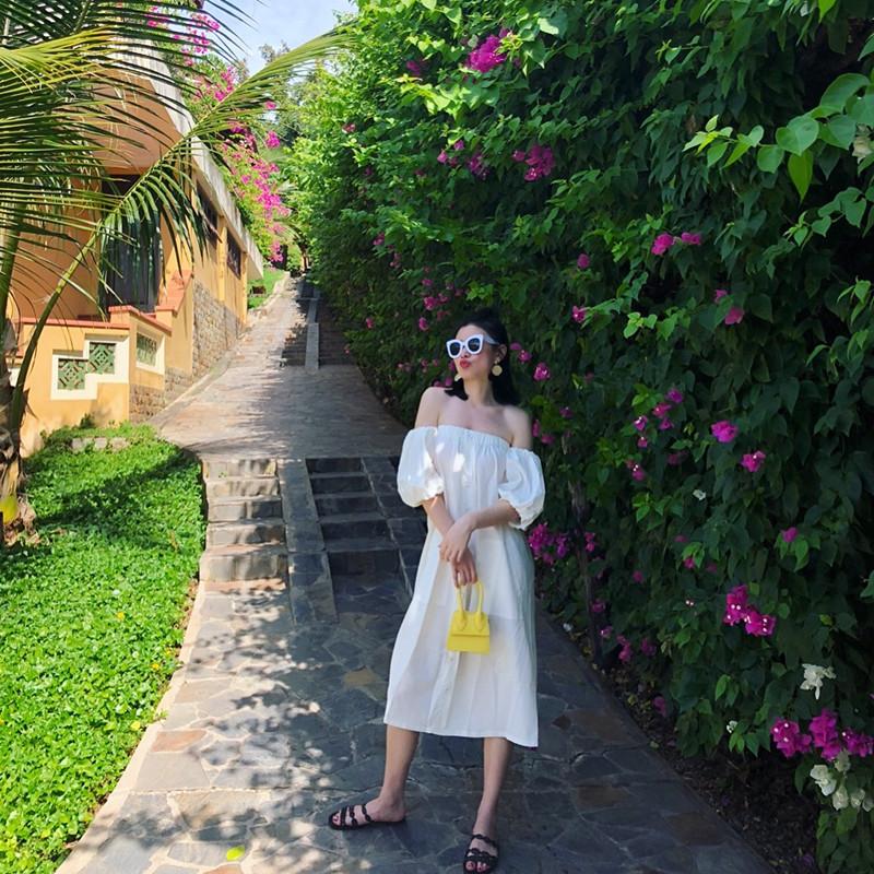 白色连衣裙 巴厘岛海边度假露背沙滩裙一字领露肩宽松洋气仙女连衣裙长裙白色_推荐淘宝好看的白色连衣裙