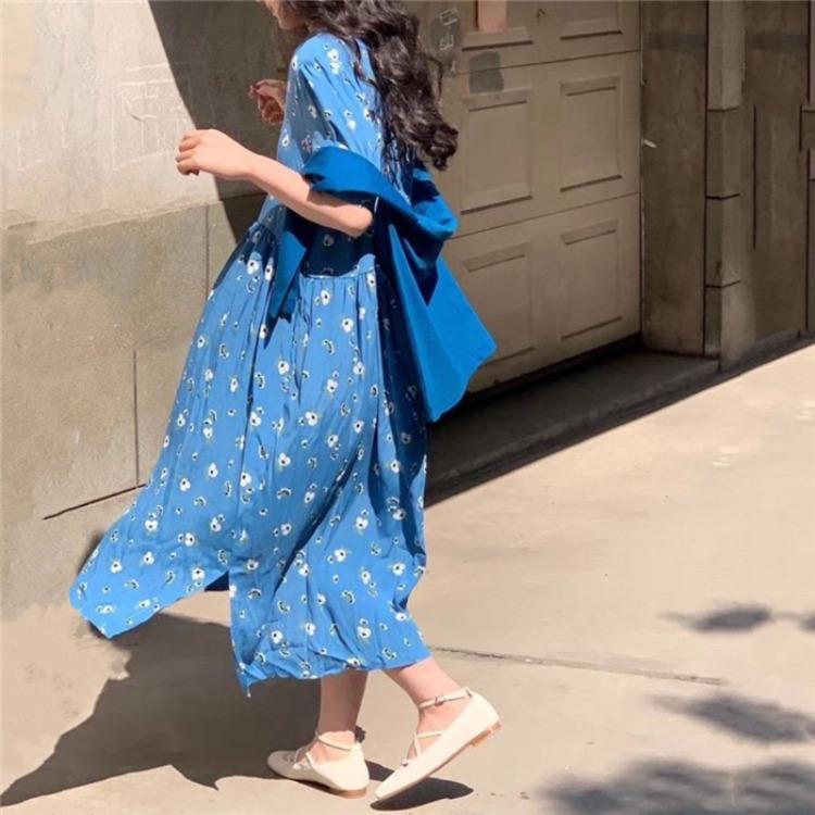 蓝色碎花连衣裙 2020新款韩版宽松田园可爱甜美天蓝色雏菊碎花长款娃娃装连衣裙_推荐淘宝好看的蓝色碎花连衣裙