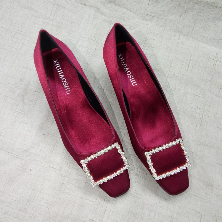 高跟rv鞋子 欧美2018早春新款rv女鞋子方扣水钻绸缎粗跟单鞋方头高跟鞋婚鞋_推荐淘宝好看的高跟rv鞋子