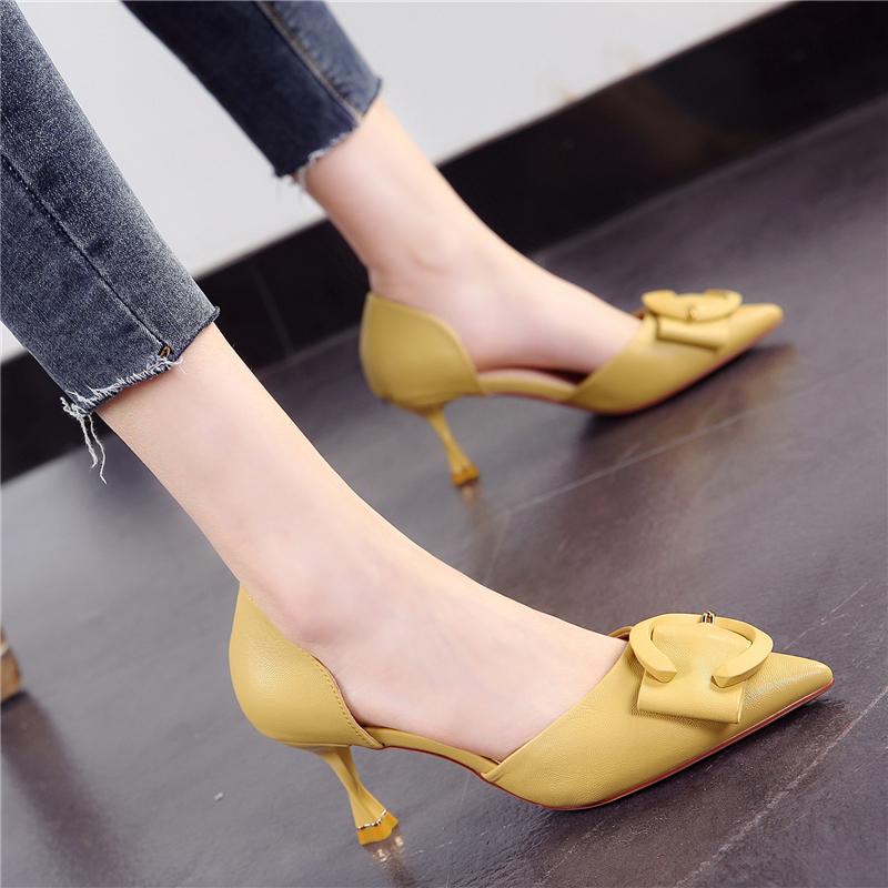 黄色高跟鞋 韩版黄色少女软面高跟鞋女2021春季新款尖头方扣细跟中空显瘦单鞋_推荐淘宝好看的黄色高跟鞋