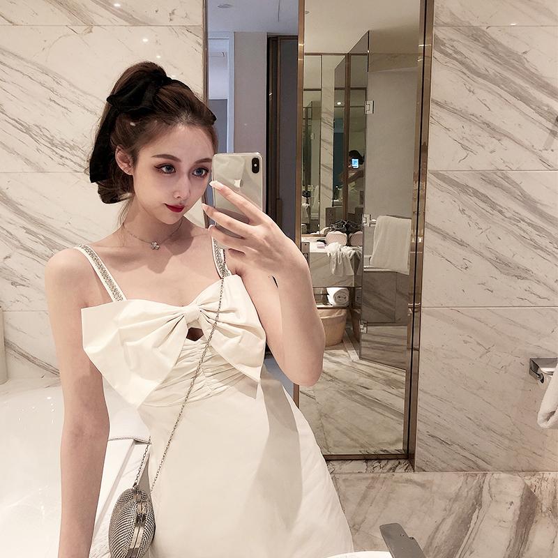 白色吊带连衣裙 LINCY甜甜富家女白色抹胸蝴蝶结钻石吊带超仙的小香风连衣裙短裙_推荐淘宝好看的白色吊带连衣裙