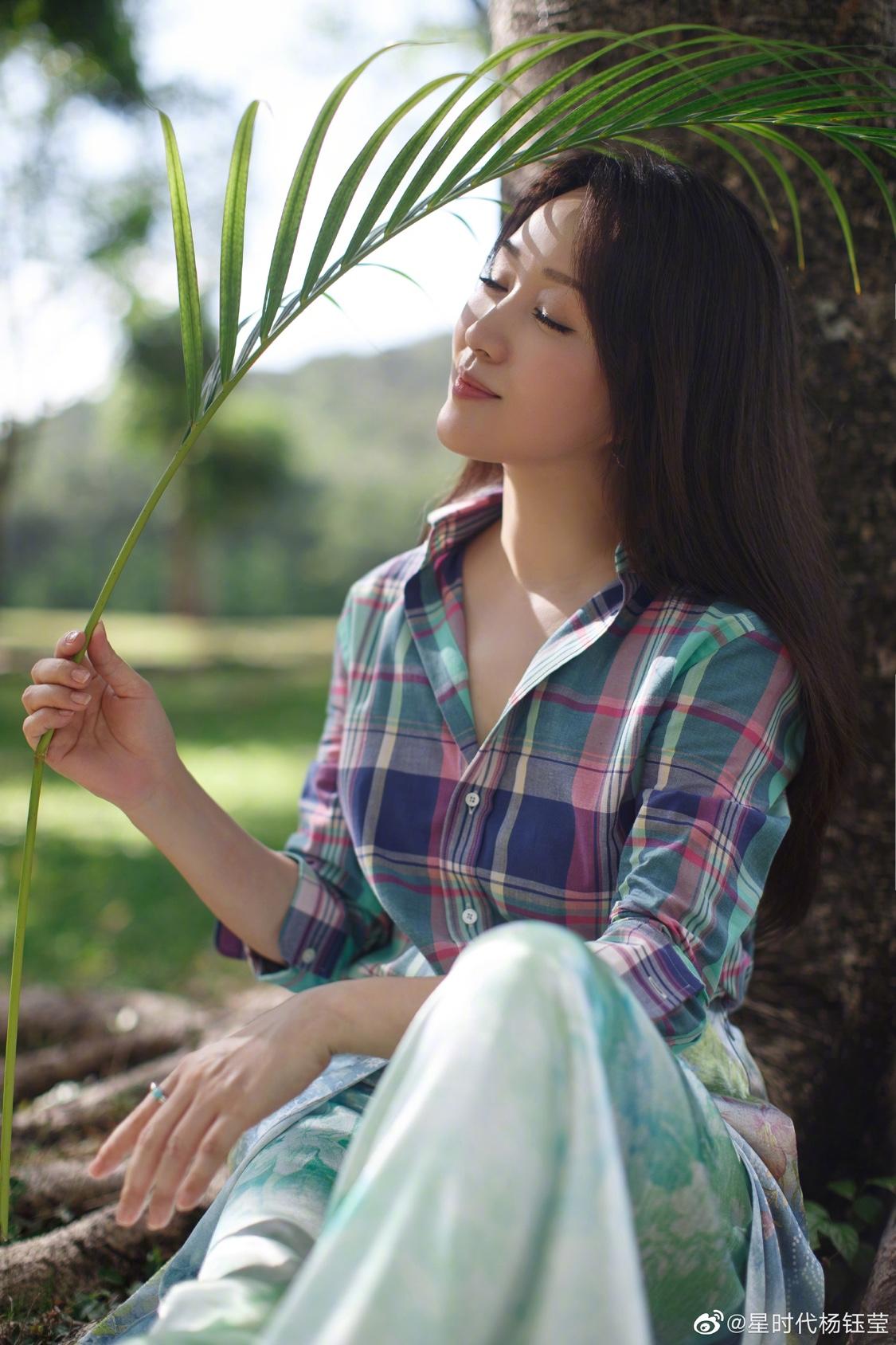 女格子衬衫 杨钰莹同款格子衬衫女2020年春秋新韩版长袖复古港味洋气学生外穿_推荐淘宝好看的女格子衬衫
