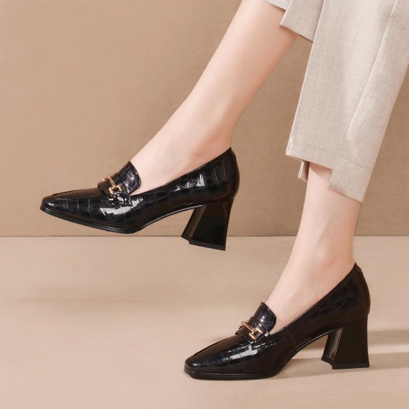 粗跟高跟鞋 金属方头复古小皮鞋女粗跟2020春季新款漆皮单鞋高跟大码女鞋子潮_推荐淘宝好看的女粗跟高跟鞋