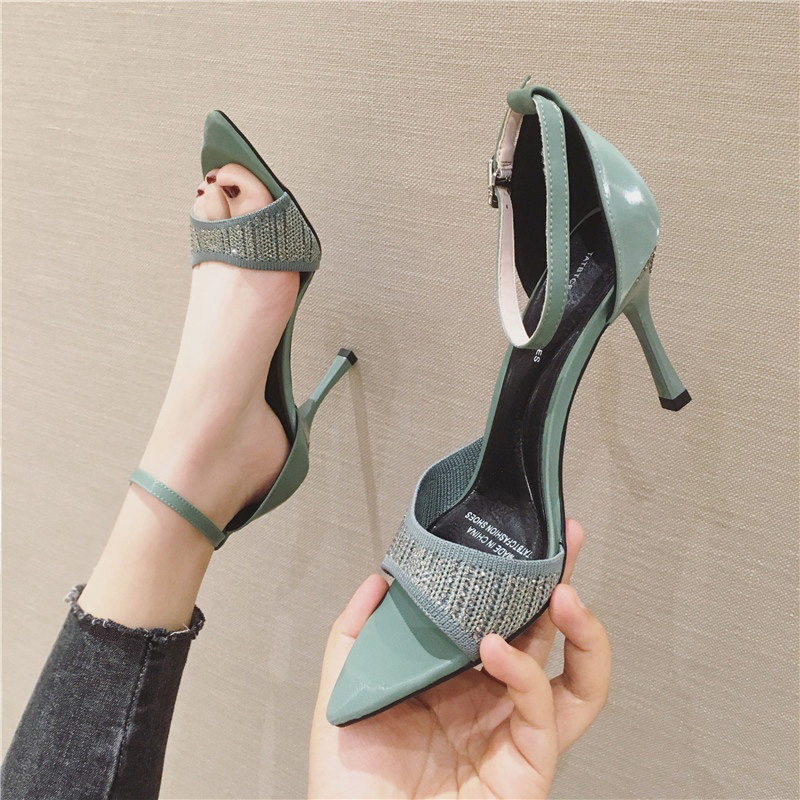 绿色鱼嘴鞋 性感绿色高跟鞋女细跟8CM针织水钻一字扣带鱼嘴凉鞋女夏2020新款_推荐淘宝好看的绿色鱼嘴鞋