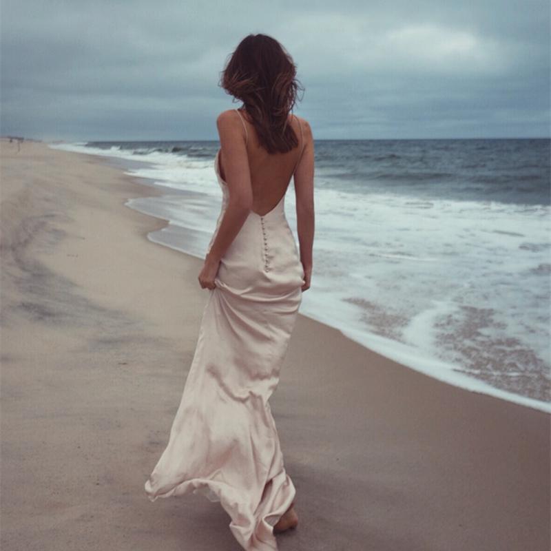 吊带连衣裙 沙滩裙2020新款超仙性感修身吊带露背拖地长裙海边度假旅拍连衣裙_推荐淘宝好看的吊带连衣裙