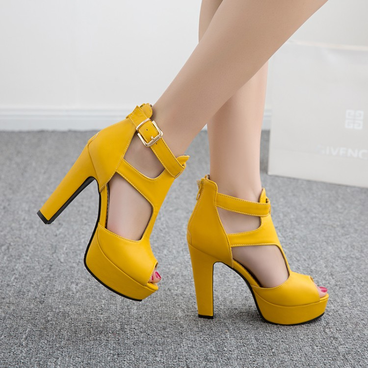 黄色鱼嘴鞋 2020夏季新款皮带扣镂空粗跟超高跟厚底鱼嘴女士凉鞋白黑黄色女鞋_推荐淘宝好看的黄色鱼嘴鞋