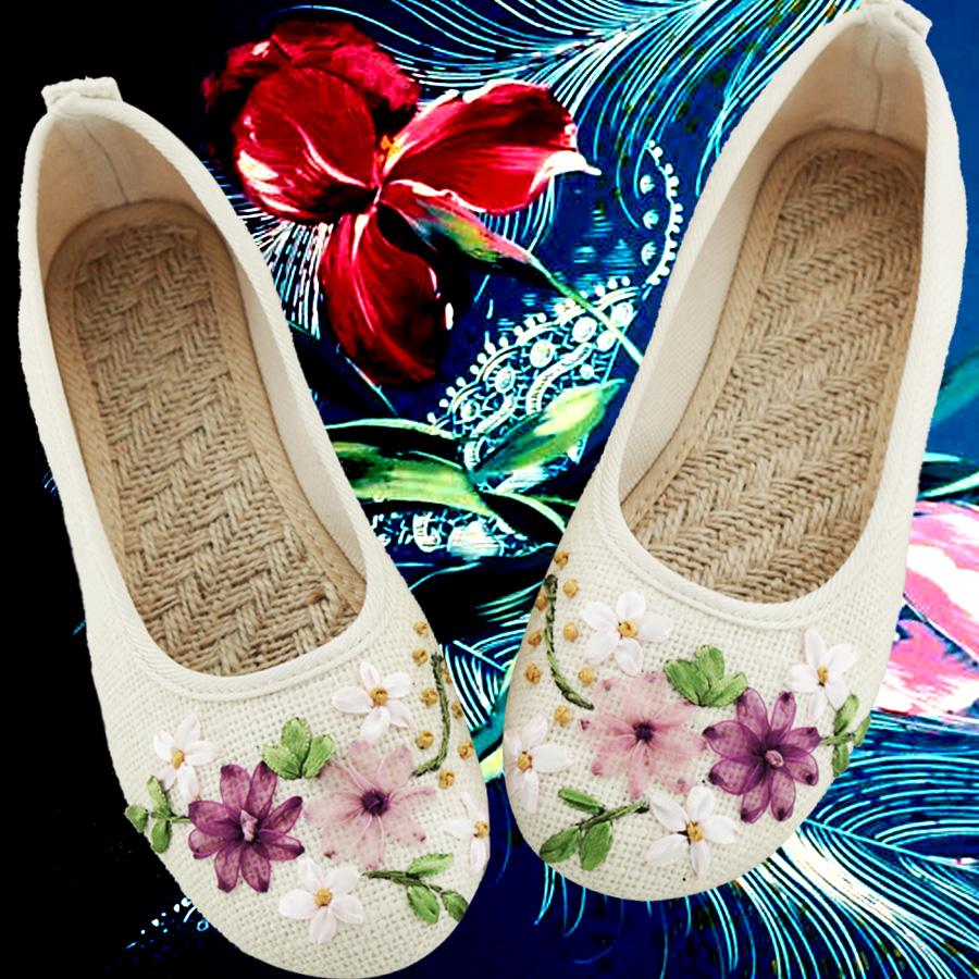 白色单鞋 春夏新款女鞋老北京布鞋民族风白色绣花鞋子平底妈妈亚麻大码单鞋_推荐淘宝好看的白色单鞋