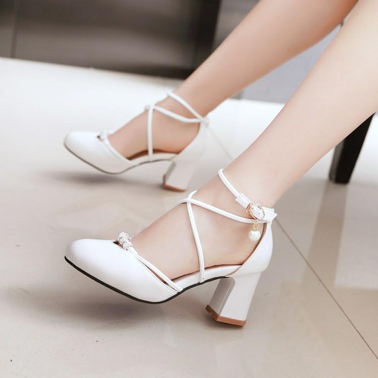 白色罗马鞋 2019夏季新款尖头方跟凉鞋罗马休闲简约交叉扣带白色中跟女士鞋子_推荐淘宝好看的白色罗马鞋