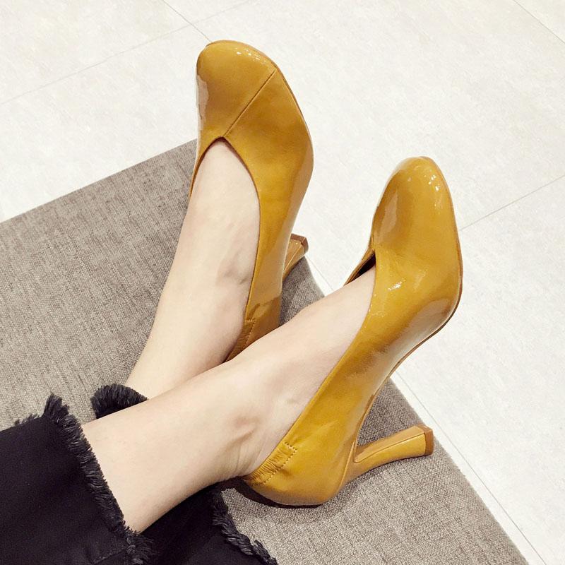 黄色单鞋 漆皮圆头高跟鞋黄色复古奶奶鞋单鞋女细跟名媛职业女鞋韩国东大门_推荐淘宝好看的黄色单鞋