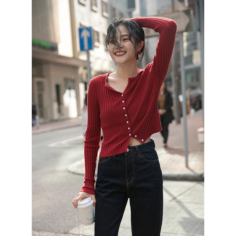 红色针织衫 觅定红色针织衫早秋上衣女装短款毛衣开衫薄款黑色紧身打底衫外套_推荐淘宝好看的红色针织衫