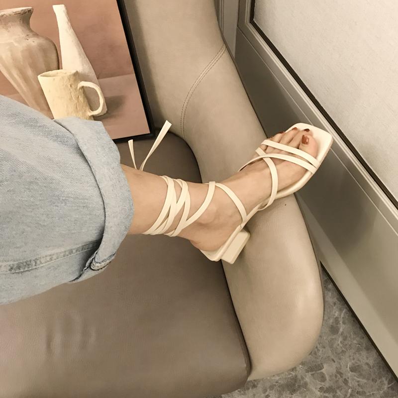 白色罗马鞋 白色凉鞋2020年新款中跟粗跟女仙女风夏天百搭罗马风交叉绑带女潮_推荐淘宝好看的白色罗马鞋