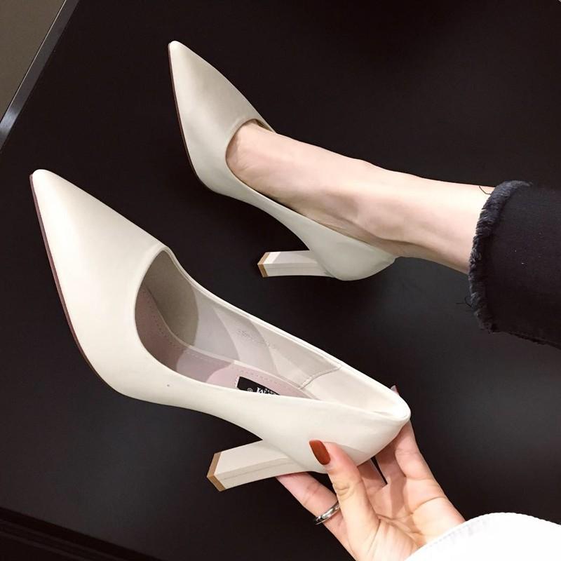粗跟高跟鞋 2020春季新款欧美风简约气质高跟女鞋子性感尖头通勤浅口粗跟单鞋_推荐淘宝好看的女粗跟高跟鞋