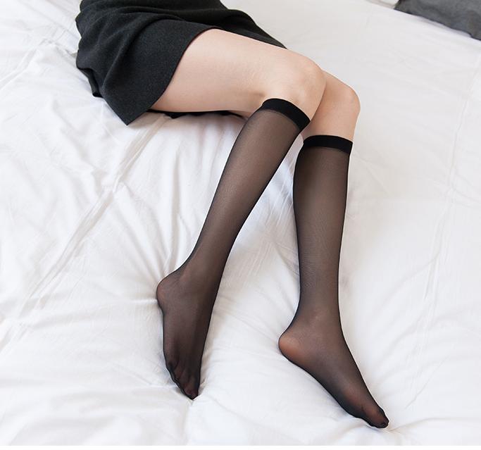 彩色透明丝袜 梦娜品彩12D三骨中筒丝袜彩色小腿包芯丝半筒夏季脚尖透明薄丝袜_推荐淘宝好看的彩色透明丝袜