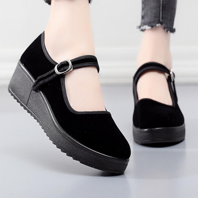 黑色坡跟鞋 老北京布鞋女防滑软底黑色平底坡跟高跟上班工作鞋浅口轻便妈妈鞋_推荐淘宝好看的黑色坡跟鞋