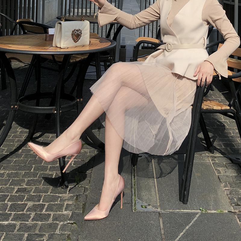 高跟单鞋 2020秋绸缎裸色法式小高跟鞋女细跟尖头百搭黑色正装职业OL单鞋_推荐淘宝好看的女高跟单鞋