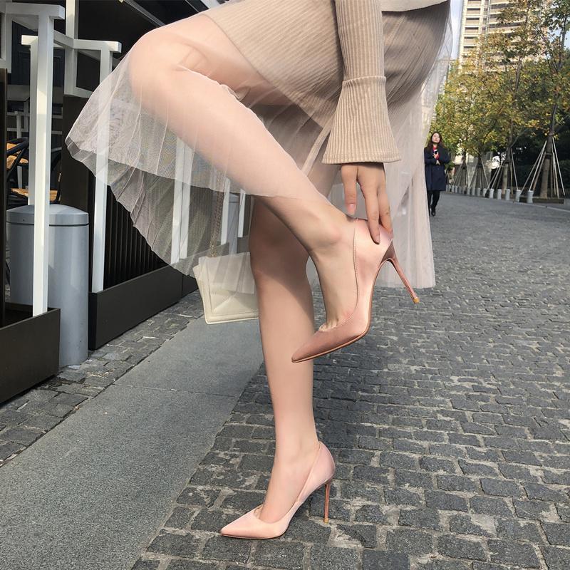 高跟单鞋 2020春绸缎裸色高跟鞋女10cm细跟百搭正装职业OL单鞋尖头红色婚鞋_推荐淘宝好看的女高跟单鞋