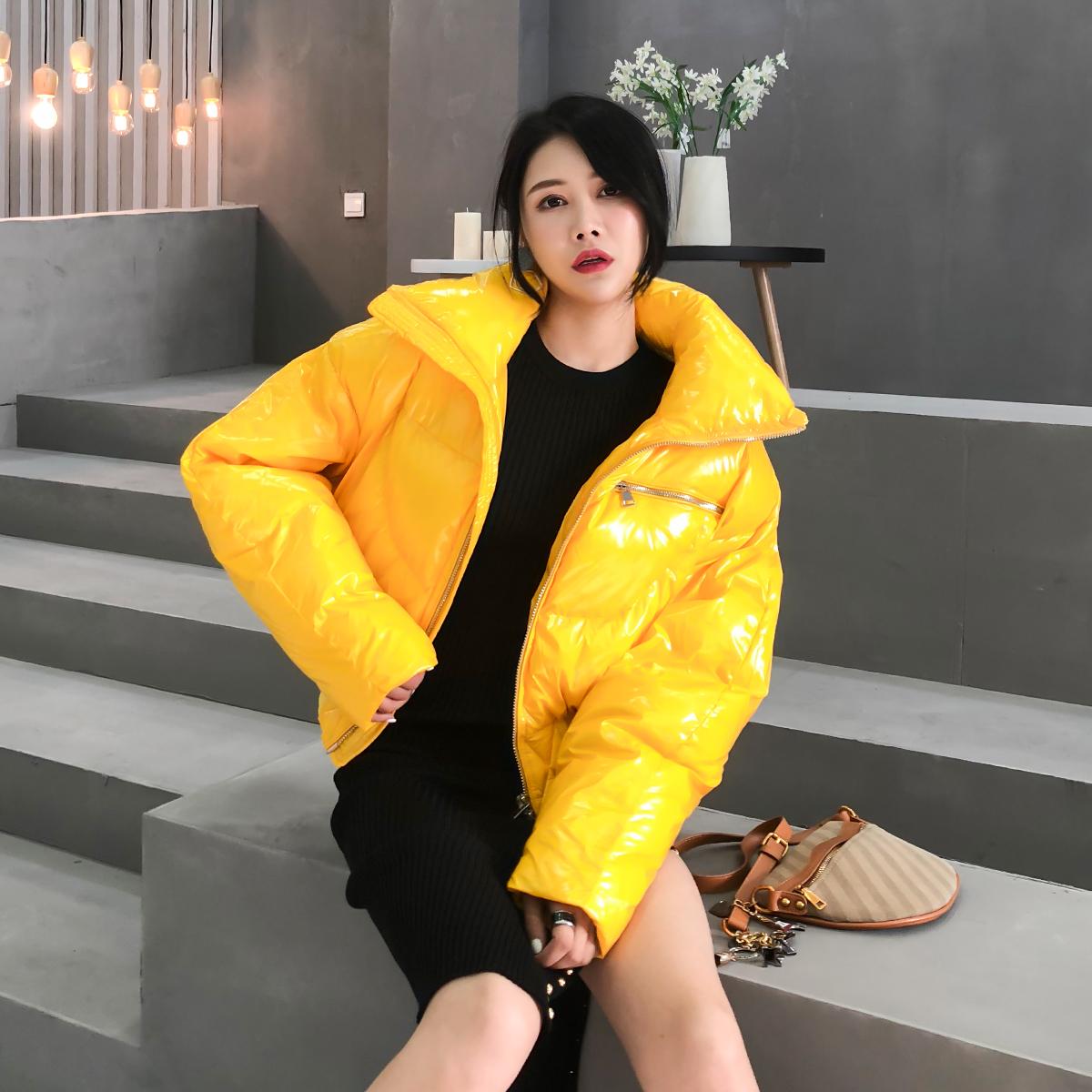 黄色羽绒服 黄色亮面小个子短款羽绒服女 秋冬时尚加厚80%白鸭绒面包服外套_推荐淘宝好看的黄色羽绒服