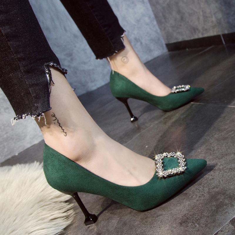 绿色高跟鞋 高跟鞋红色女2020新款8cm水钻一字扣绿色婚鞋职业百搭新娘结婚鞋_推荐淘宝好看的绿色高跟鞋