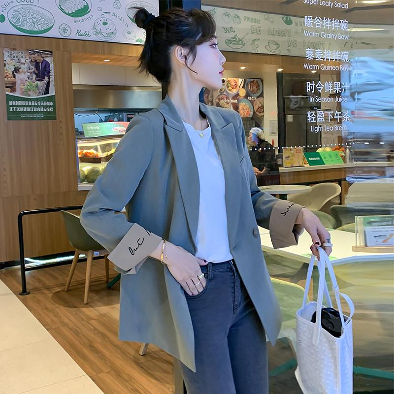绿色小西装 网红灰绿色2021春秋新款时尚百搭休闲小西装外套女薄款刺绣_推荐淘宝好看的绿色小西装