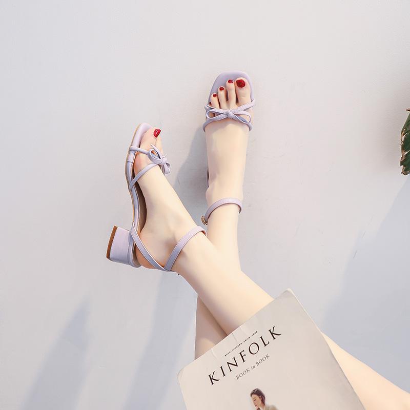 紫色凉鞋 小跟凉鞋女夏2021新款百搭粗跟中跟仙女温柔紫色小清新时装配裙鞋_推荐淘宝好看的紫色凉鞋