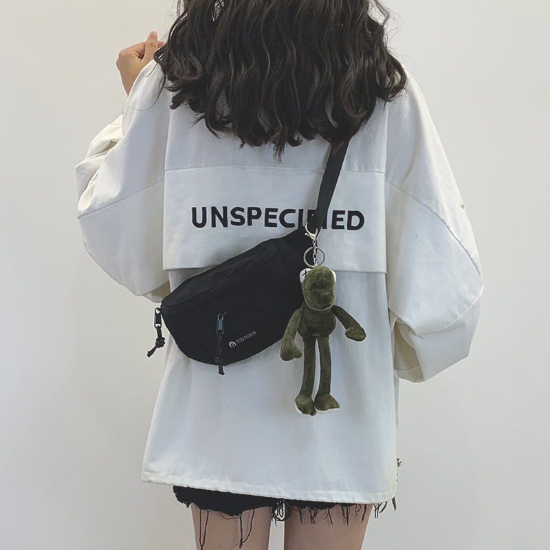 韩版帆布包 网红小包包女2020新款韩版ins工装风帆布包女斜挎胸包休闲腰包潮_推荐淘宝好看的女韩版帆布包