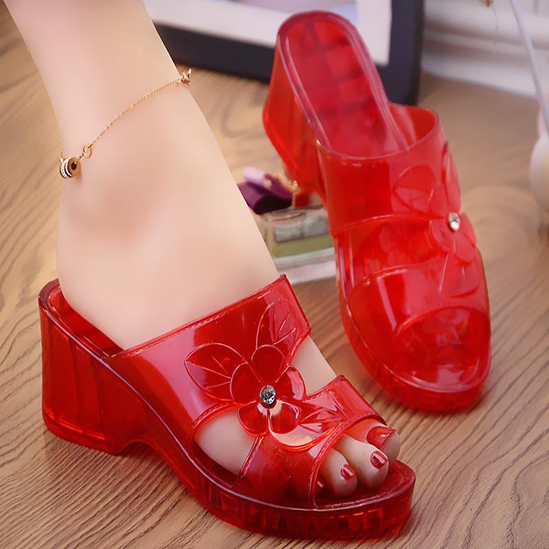 水晶坡跟鞋 新款水晶塑料拖鞋镂空洗澡厚底防滑软底易洗居家软胶坡跟妈妈拖鞋_推荐淘宝好看的水晶坡跟鞋