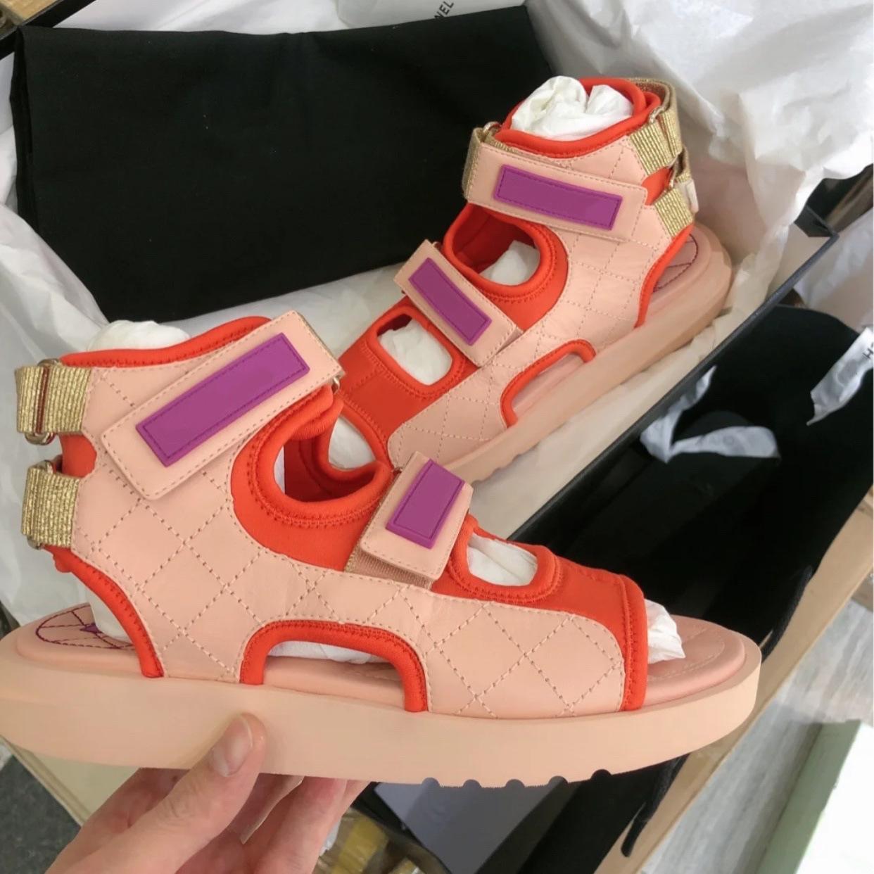 粉红色罗马鞋 网红阿希哥同款小香风凉鞋粉红色欧美英伦风罗马平底厚底松糕鞋_推荐淘宝好看的粉红色罗马鞋
