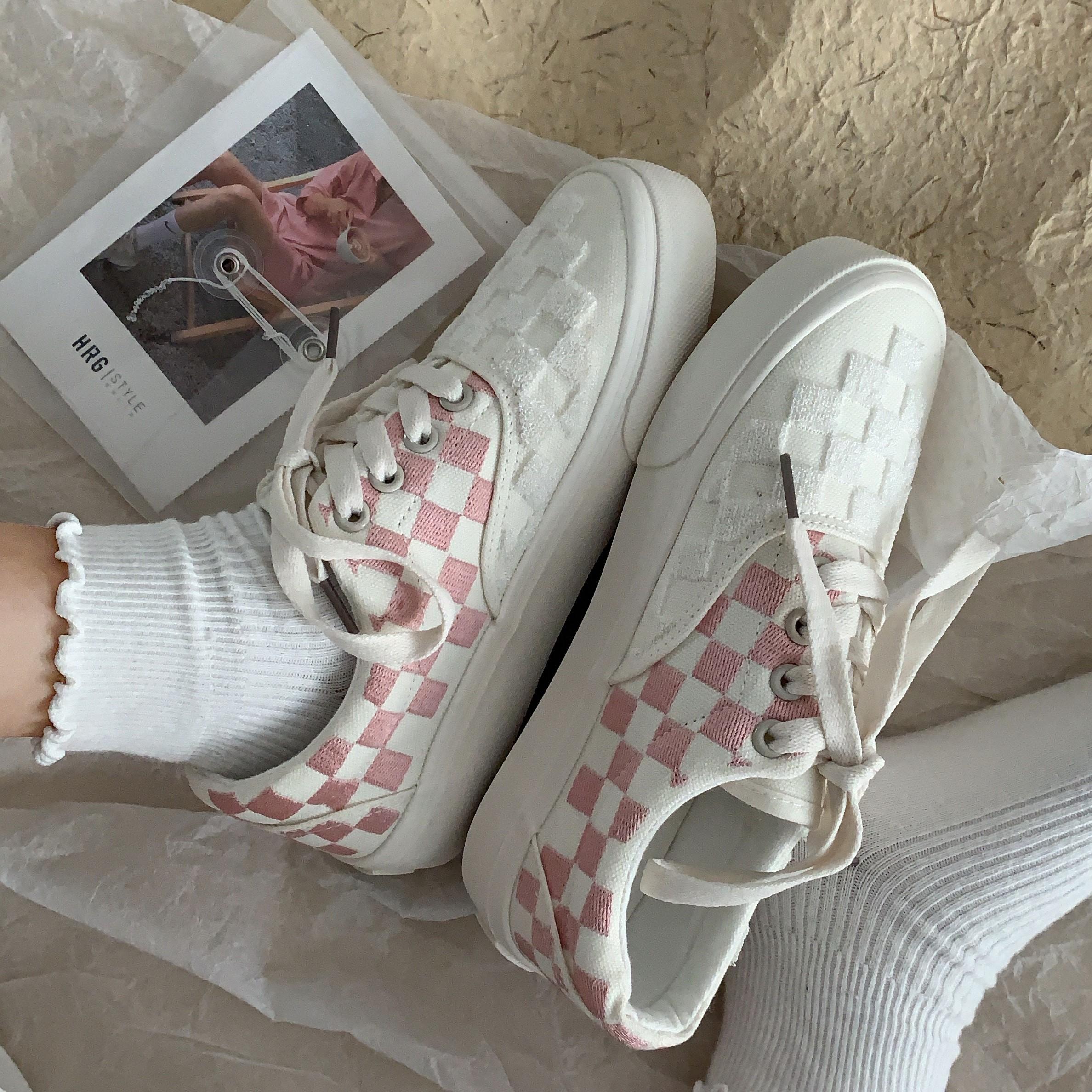 粉红色帆布鞋 粉红色少女心可爱格子帆布鞋子女韩版街拍网红百搭ins板鞋_推荐淘宝好看的粉红色帆布鞋