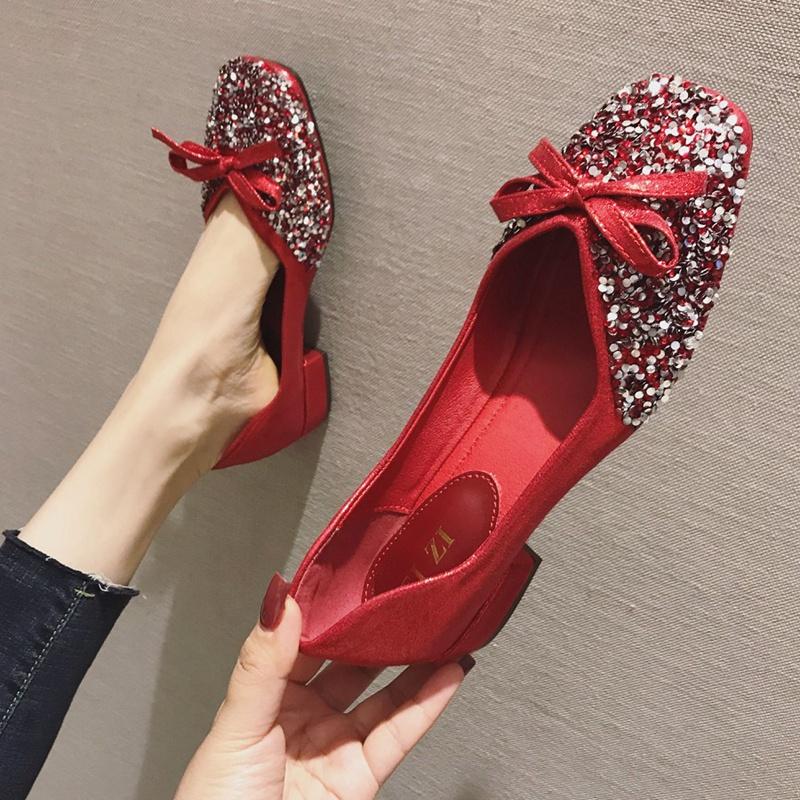 红色豆豆鞋 豆豆鞋女2021秋季新款婚鞋粗跟亮片红色低跟四季单鞋方头大码女鞋_推荐淘宝好看的红色豆豆鞋
