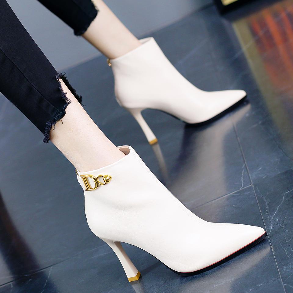 白色尖头鞋 2020通勤百搭白色后拉链短靴马丁靴韩版职业OL尖头粗跟高跟鞋女冬_推荐淘宝好看的白色尖头鞋