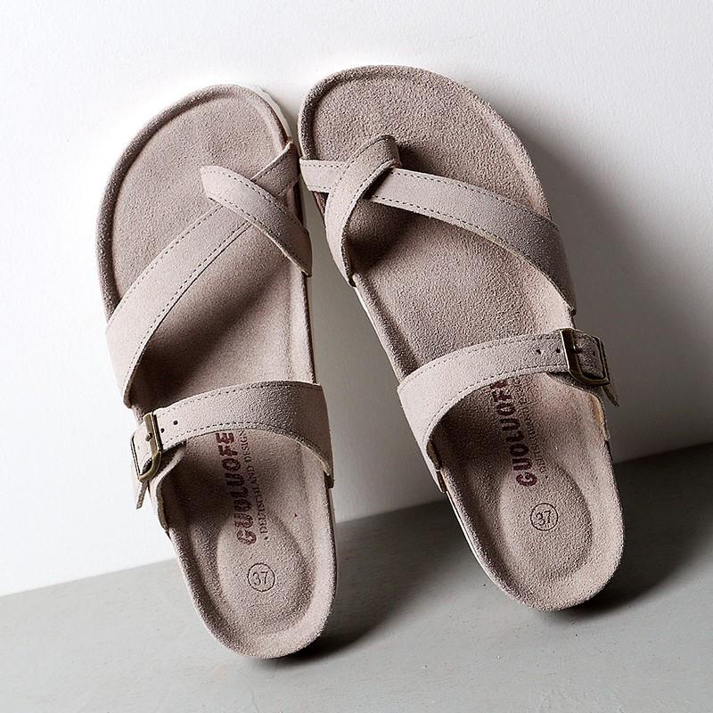 紫色坡跟鞋 夹角拖鞋女夏2021新款坡跟软木拖鞋凉鞋紫色套趾外穿休闲沙滩鞋女_推荐淘宝好看的紫色坡跟鞋
