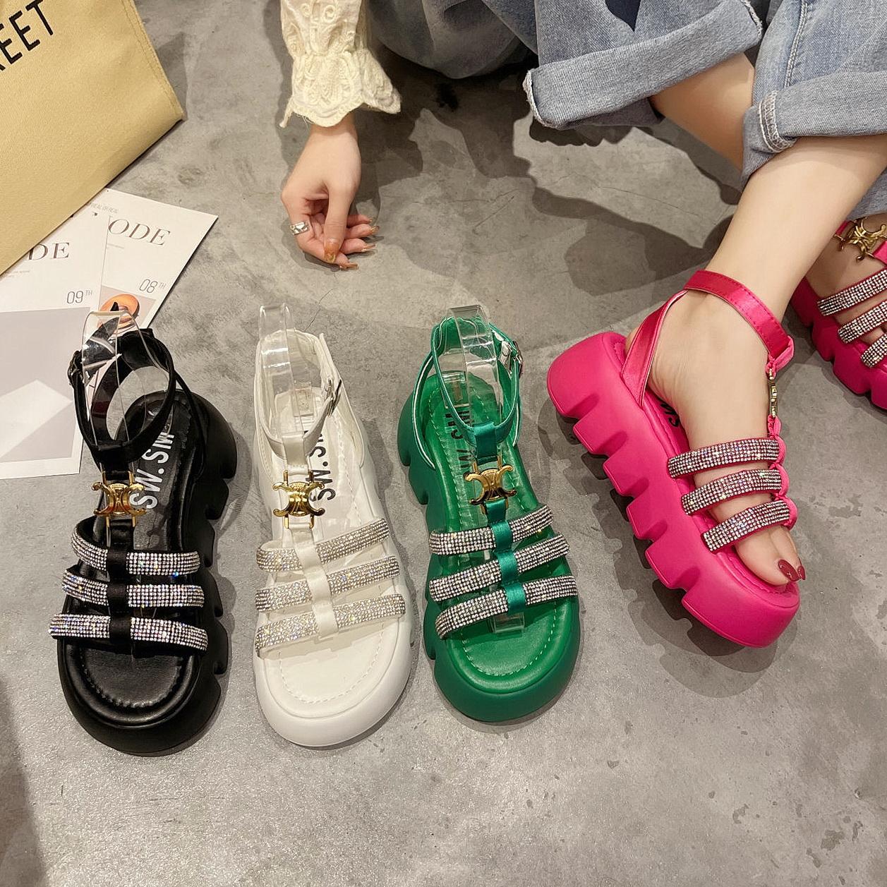 绿色罗马鞋 罗马凉鞋玫红女2021夏季新款水钻时装厚底松糕钢琴底绿色罗马鞋_推荐淘宝好看的绿色罗马鞋