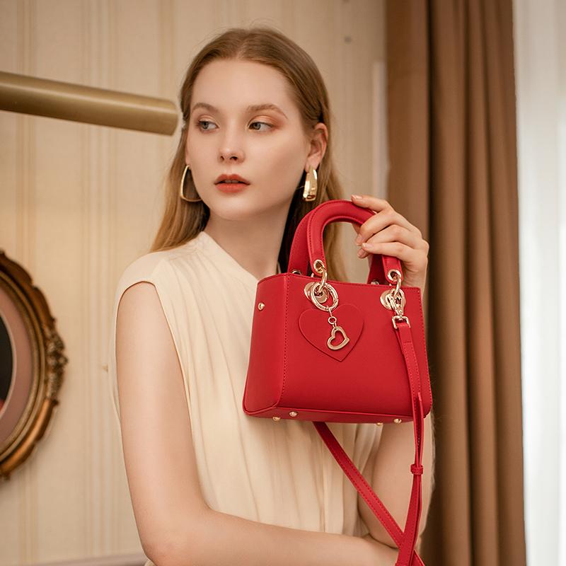 红色迷你包 结婚包包女2020新款潮手提新娘包迷你戴妃包时尚洋气红色斜挎小包_推荐淘宝好看的红色迷你包