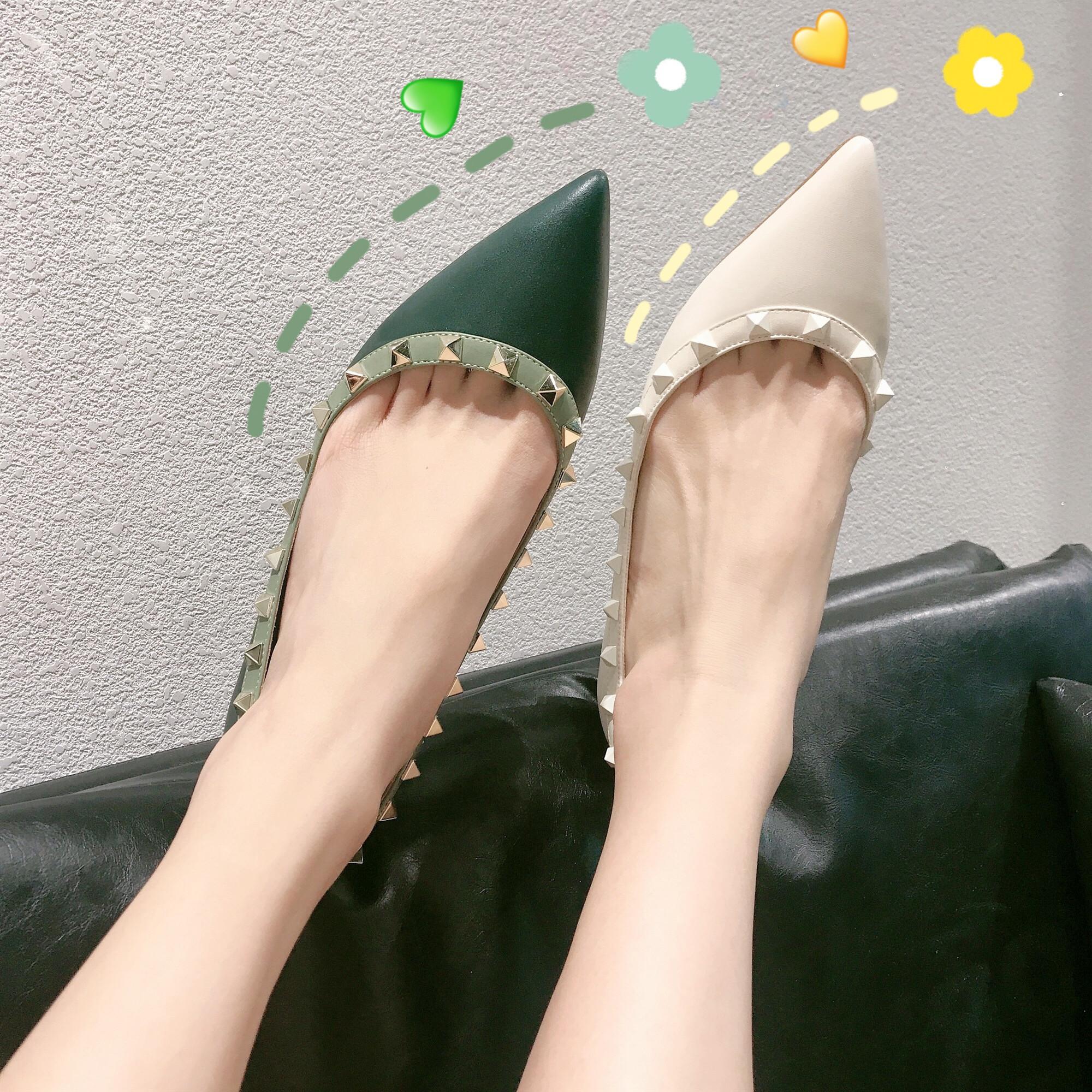 绿色尖头鞋 v家 2020春季新款单鞋尖头铆钉柳丁浅口白色绿色平底鞋百搭闺蜜女_推荐淘宝好看的绿色尖头鞋