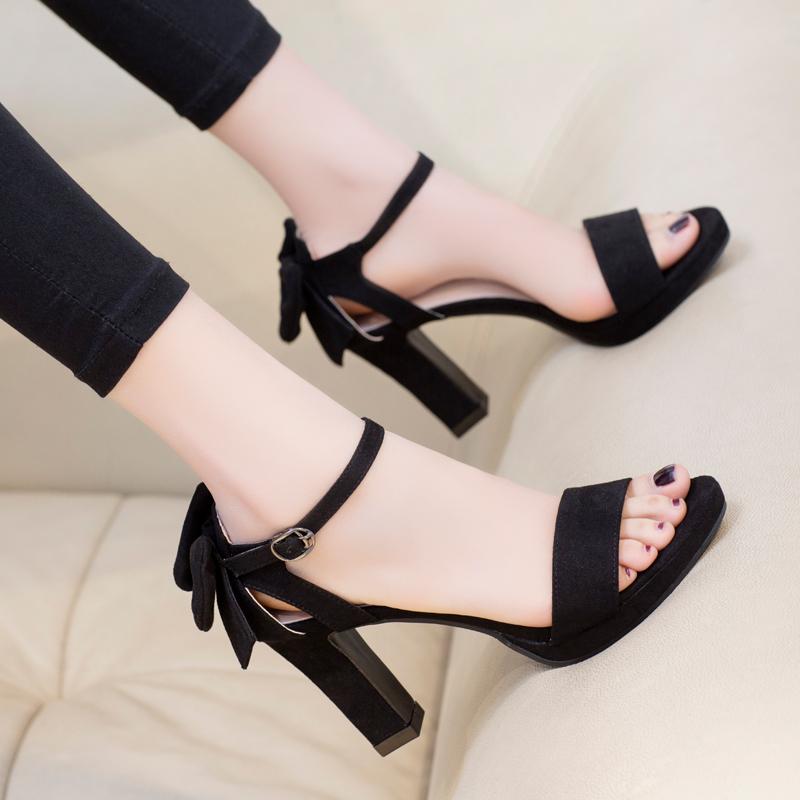 黑色凉鞋 韩版夏天鞋子黑色蝴蝶结高跟鞋一字扣百搭女鞋夏2020新款粗跟凉鞋_推荐淘宝好看的黑色凉鞋