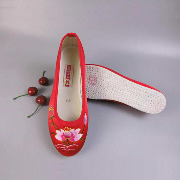 红色单鞋 千层底布鞋女中老年透气布底单鞋女鞋红色荷花老北京复古绣花鞋_推荐淘宝好看的红色单鞋
