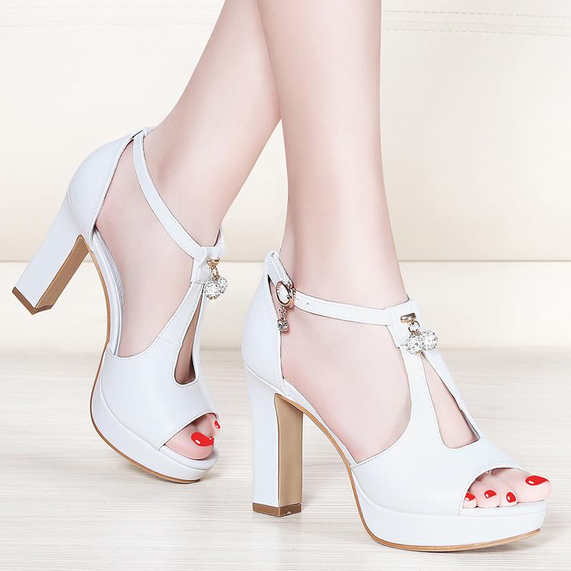 白色鱼嘴鞋 鱼嘴高跟鞋女粗跟2020新款夏季女鞋防水台女士白色凉鞋女百搭时尚_推荐淘宝好看的白色鱼嘴鞋