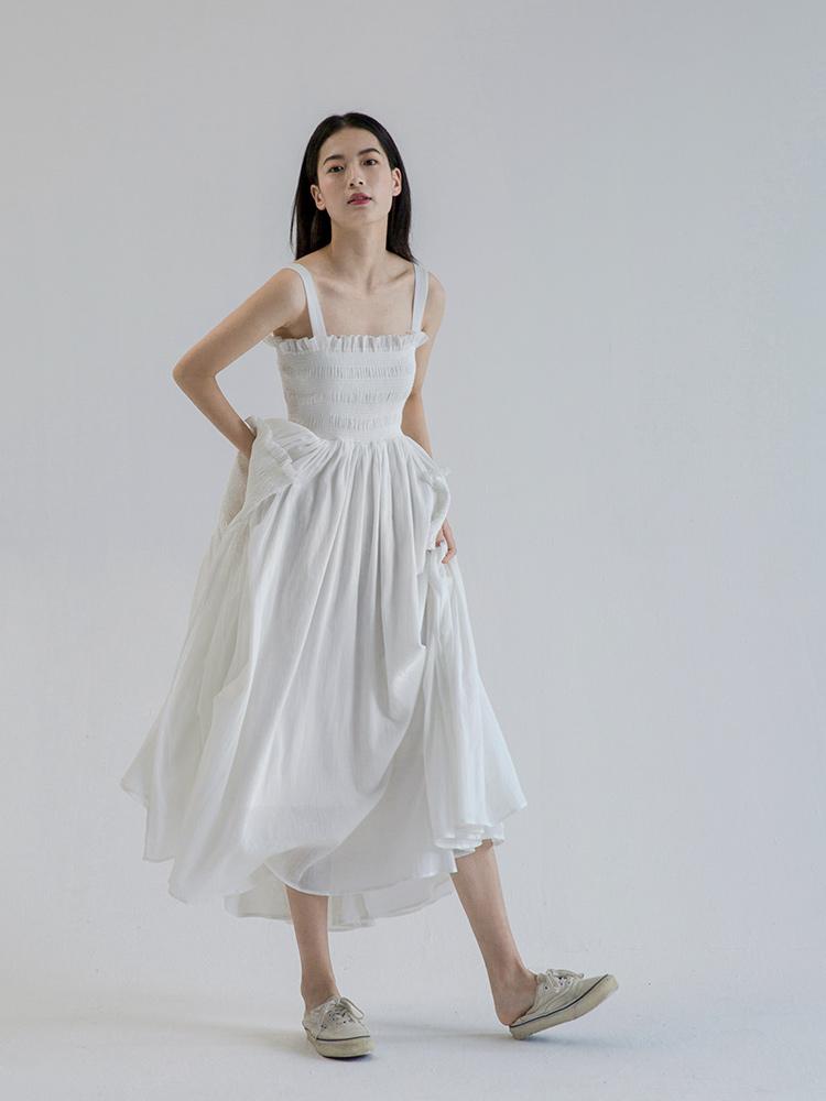 白色连衣裙 长裙法式过膝裙子夏抹胸白色吊带连衣裙小白裙女宴会平时可穿_推荐淘宝好看的白色连衣裙