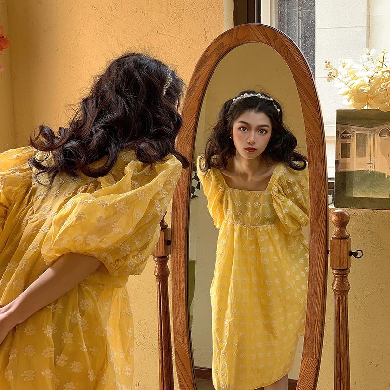 黄色连衣裙 JC古着商店法式复古碎花泡泡袖连衣裙女夏新款小雏菊方领黄色长裙_推荐淘宝好看的黄色连衣裙