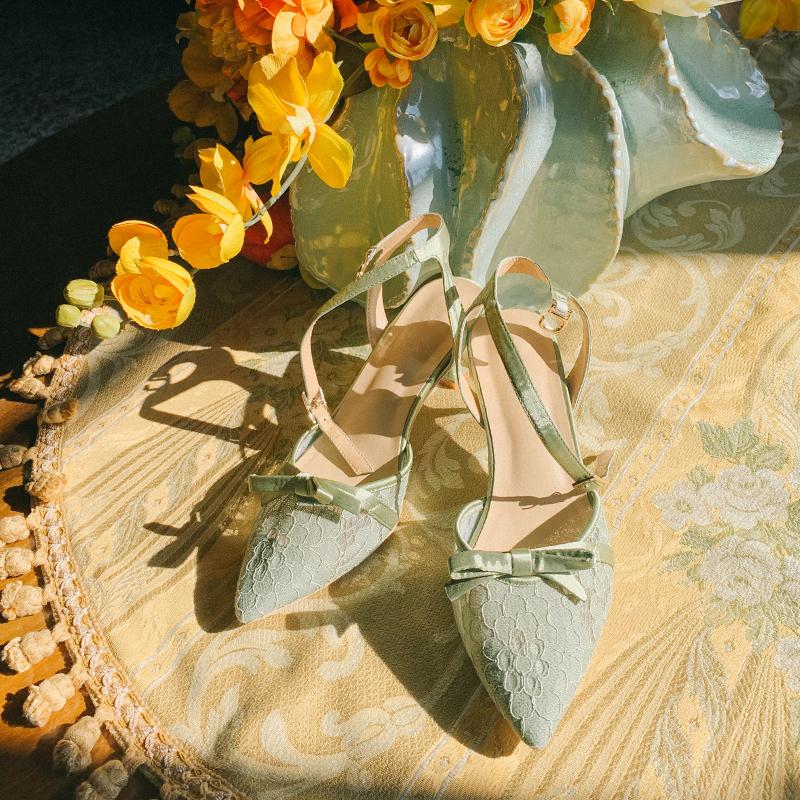绿色凉鞋 新款《草地浪漫》酒杯跟包头透气凉鞋细跟中高跟复古绿色尖头女鞋_推荐淘宝好看的绿色凉鞋