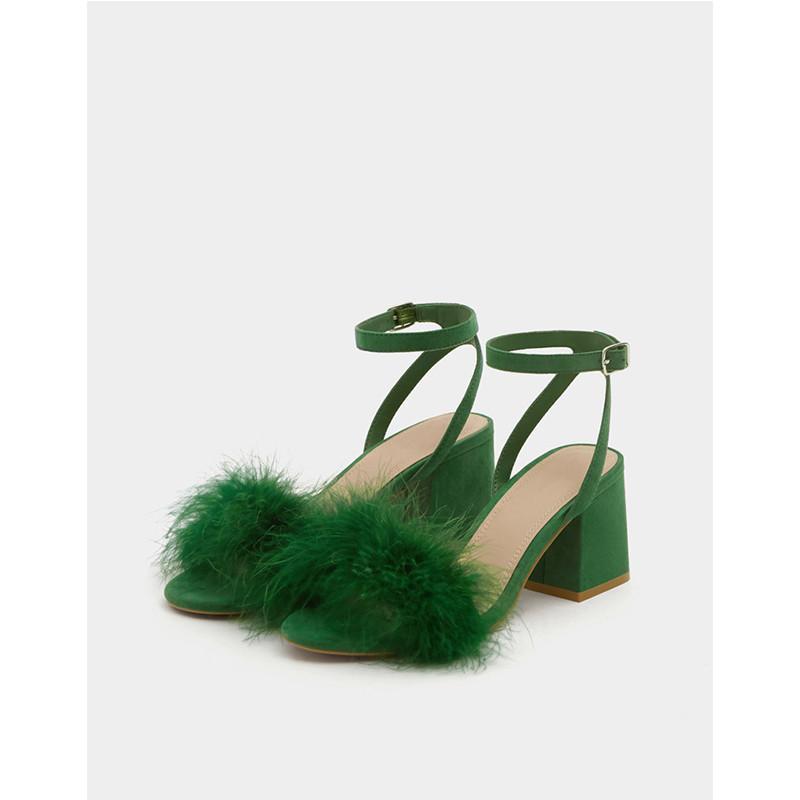 绿色鱼嘴鞋 一字扣带绿色羽毛凉鞋2019新款欧美夏季露趾高跟鞋中跟罗马粗跟鞋_推荐淘宝好看的绿色鱼嘴鞋