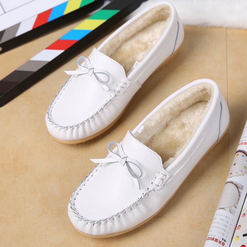 白色豆豆鞋 秋冬新款豆豆鞋女真皮工作鞋白色护士鞋加绒防滑孕妇妈妈平底棉鞋_推荐淘宝好看的白色豆豆鞋