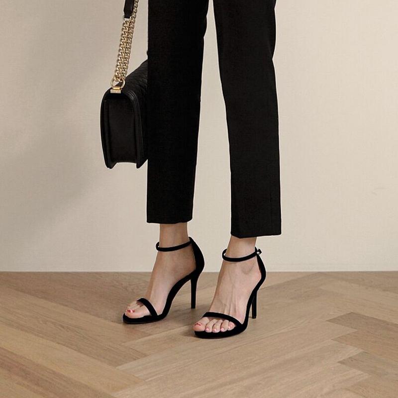 黑色凉鞋 凉鞋女2021年新款夏季一字带扣高跟鞋细跟黑色仙女风时装流行鞋子_推荐淘宝好看的黑色凉鞋
