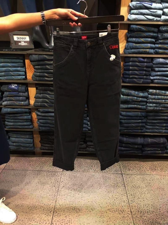 lee男士牛仔裤 菲律宾 LEE专柜正品代购 2020春夏女COKE联名中腰牛仔裤LWZ4115DC_推荐淘宝好看的lee 牛仔裤