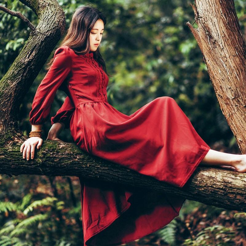 品牌蕾丝连衣裙 秋冬蕾丝长袖连衣裙复古优雅红裙高腰修身长裙文艺旅行女装_推荐淘宝好看的蕾丝连衣裙