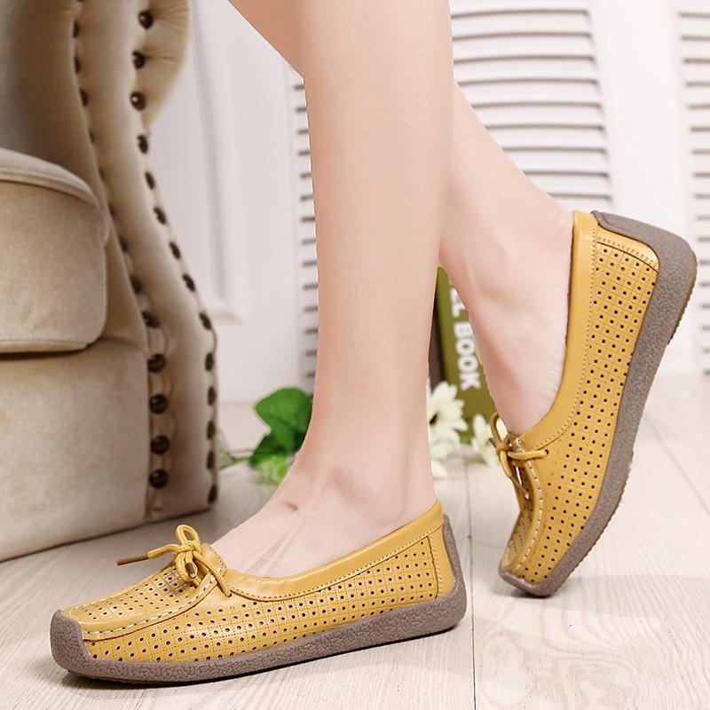 黄色豆豆鞋 中年妈妈黄色小皮鞋一脚蹬舒适软底镂空豆豆鞋女士平底休闲上班鞋_推荐淘宝好看的黄色豆豆鞋