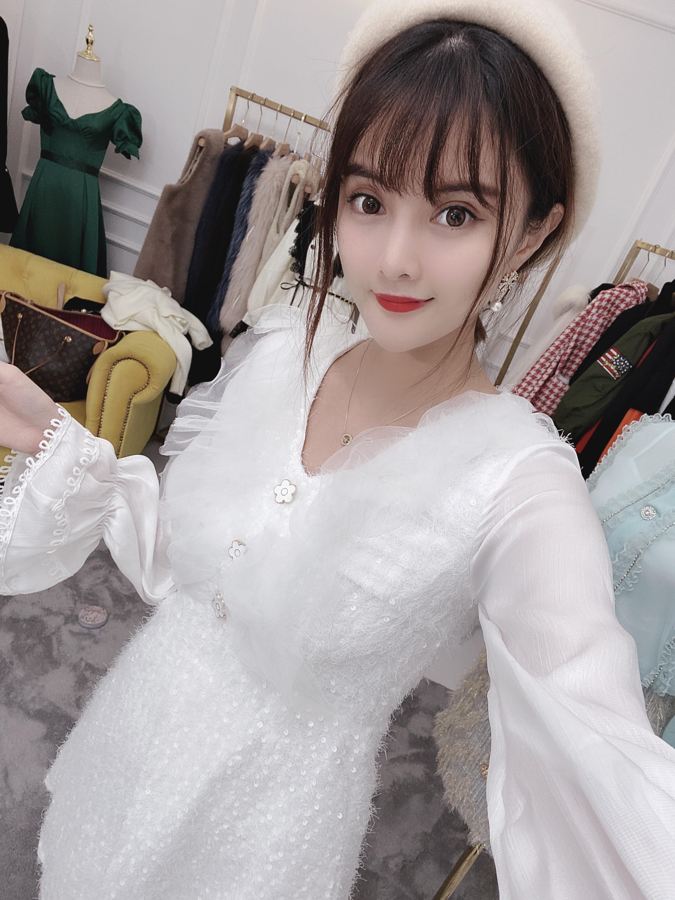 秋季女装连衣裙 VISIONZ秋季新款重工白色连衣裙_推荐淘宝好看的秋季连衣裙
