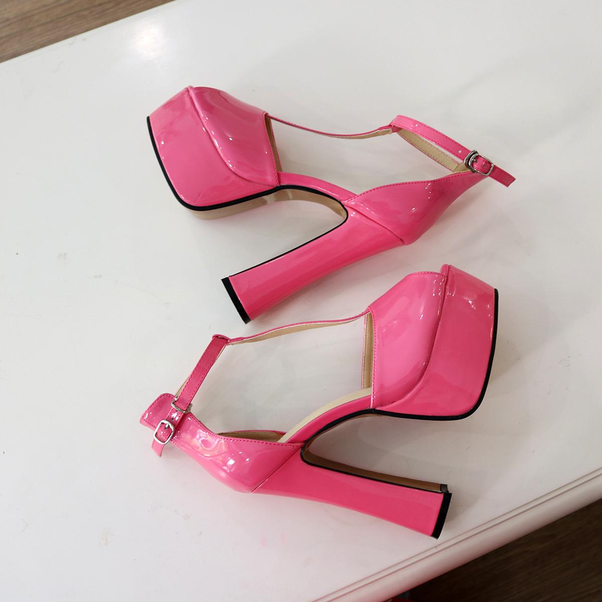 粉红色鱼嘴鞋 粉红色漆皮粗跟 超高跟鱼嘴单鞋 一字扣带欧美大码男女同款15公分_推荐淘宝好看的粉红色鱼嘴鞋