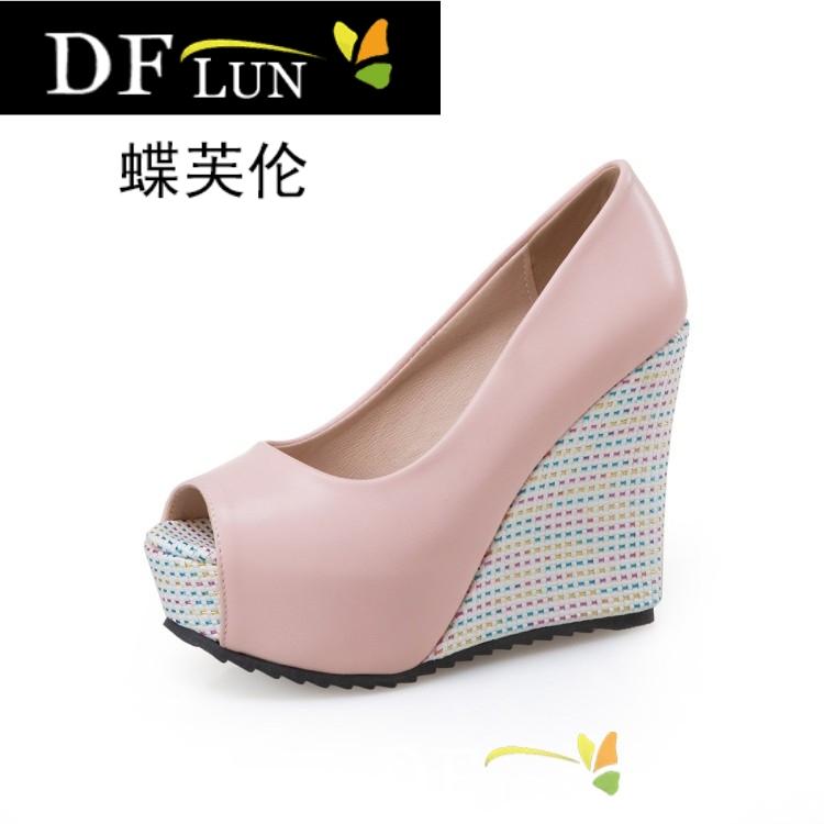 粉红色鱼嘴鞋 夏款白色粉红色女鞋婚鞋鱼嘴鞋高跟坡跟大码凉鞋小码 33 40_推荐淘宝好看的粉红色鱼嘴鞋