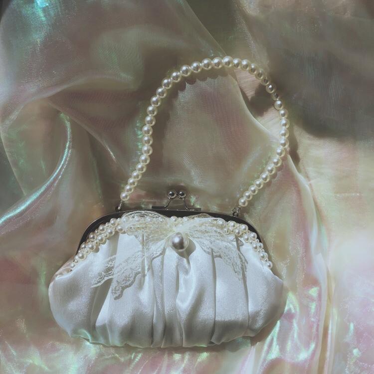白色贝壳包 Lolita日系小包包丝绸缎贝壳状珍珠夹子包白色百搭仙气斜挎女包_推荐淘宝好看的白色贝壳包
